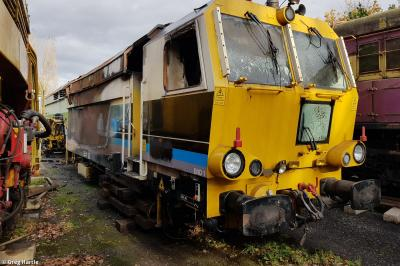 75403 at Moveright International, Wishaw  by Greg Hartle