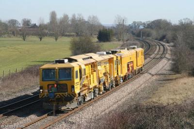 DR 77903 & DR73115 at Creech, near Taunton  by Stacey Thew