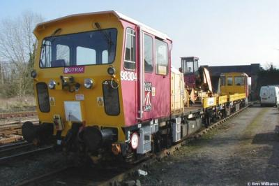 Photo of DR 98304 at Moreton-in-Marsh