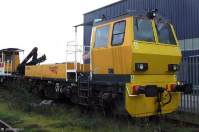 DR 98305 & 98306 at Old Oak Common  by John Glover