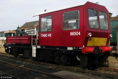 DR 98504 at Swindon & Cricklade Railway - Hayes Knoll  by Phil Scott
