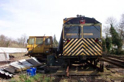 Photo of PM002 & DX 68075 at Mid-Hants Railway - Medstead & Four Marks