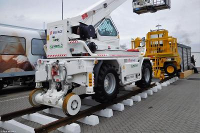 Photo of Eiffage Merlo RR Crane # EM-17-006
