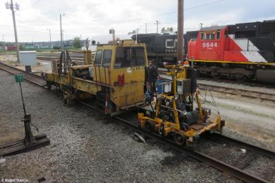 Thumbnail of Nordco Rail Lifter CN 687-97 + Fairmont Tamper Tie Exchanger CN 661-27