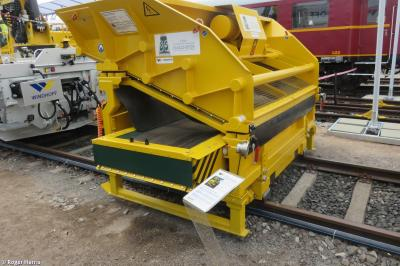 Thumbnail of Windhoff Mobile Ballast Cleaning Unit - G9614 001 of 2015