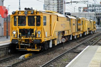 Photo of DR 80301 at Stratford