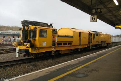 Photo of 80302 at Exeter St Davids