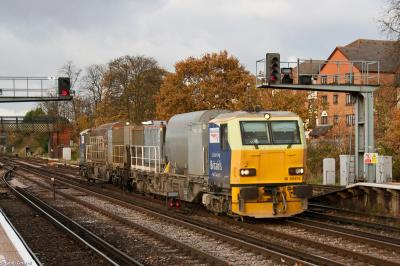 Photo of 98976 at Redhill