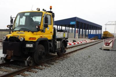 Thumbnail of Crossrail unimog #215665