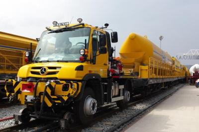 Thumbnail of Crossrail Unimog #240772