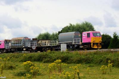 DR98926 and DR98976 at Shalford Junction  by Caroline Mitchell