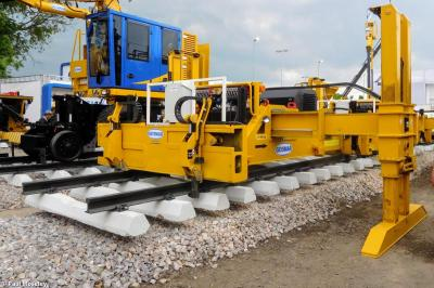 Thumbnail of Geismar Track Panel Lifter