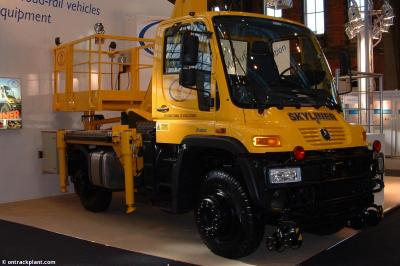 Thumbnail of LH Access Unimog #201782