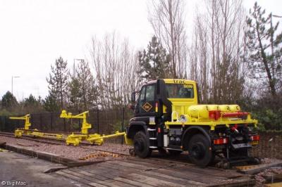 Photo of TRAC - SV090 - AE06PFN - Shunter with Rail Movers